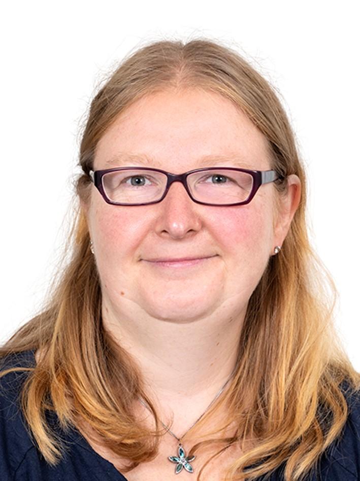 Frau Kathleen Seelert